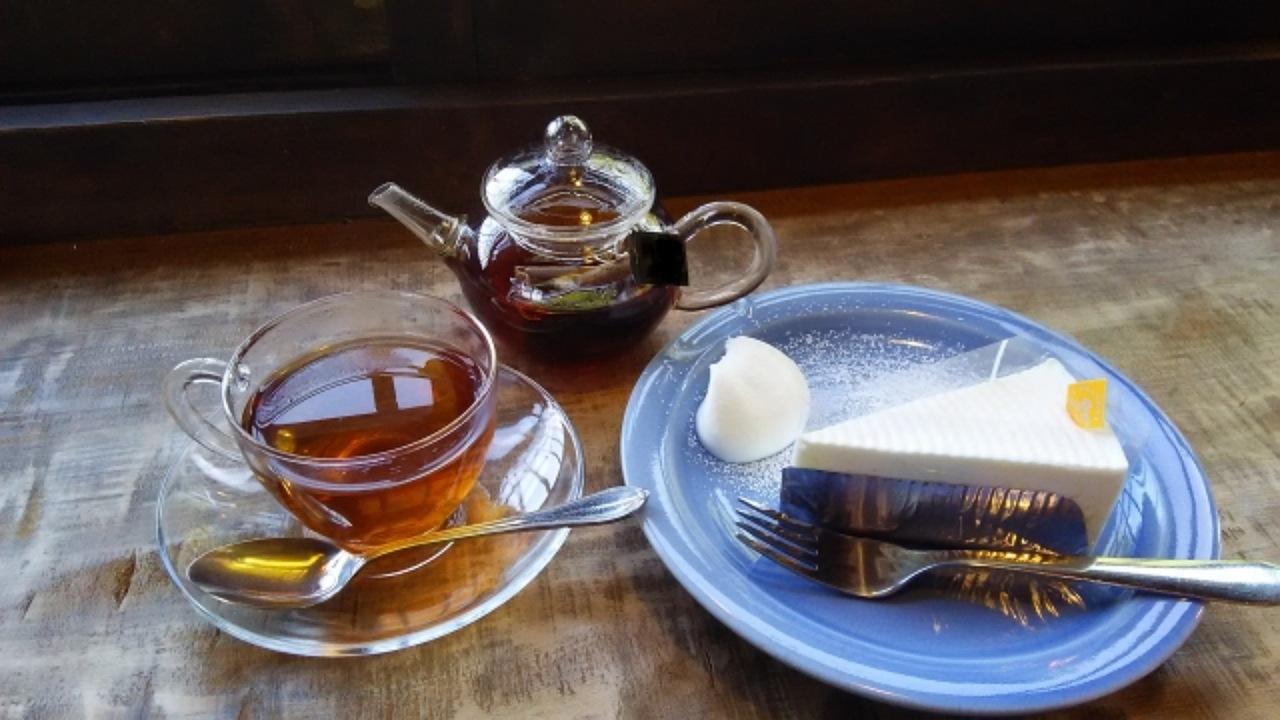 お茶とケーキイメージ